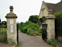 Bisley Rd cemetery entrance - C Aistrop