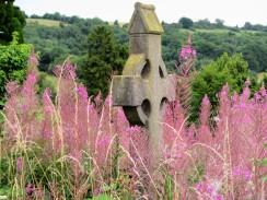 Bisley Rd cemtry rosebay w'herb + g'stone - C Aistrop