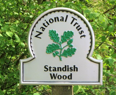 Standish wood - name sign May 2018 C Aistrop